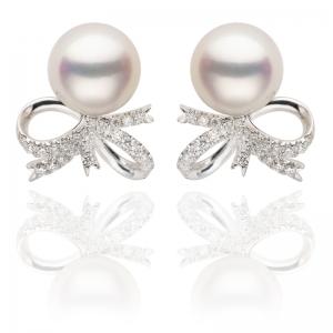 8-8.5mm Akoya Pearl 18KW Ribbon Stud Earrings With Diamond