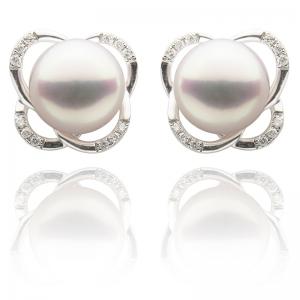 8-8.5mm Akoya Pearl 18KW Stud Earrings With Diamond