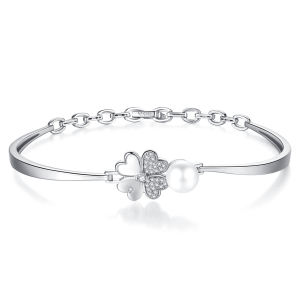 7.5-8mm Akoya Pearl 18KW Gold Plated Clover Collection Bangle